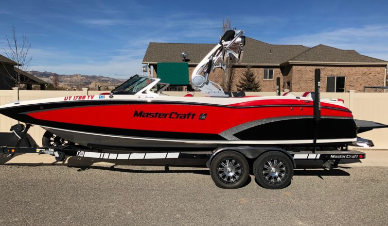 2015 MASTERCRAFT X46 VIPER RED/BLACK/SILVER FLAKE